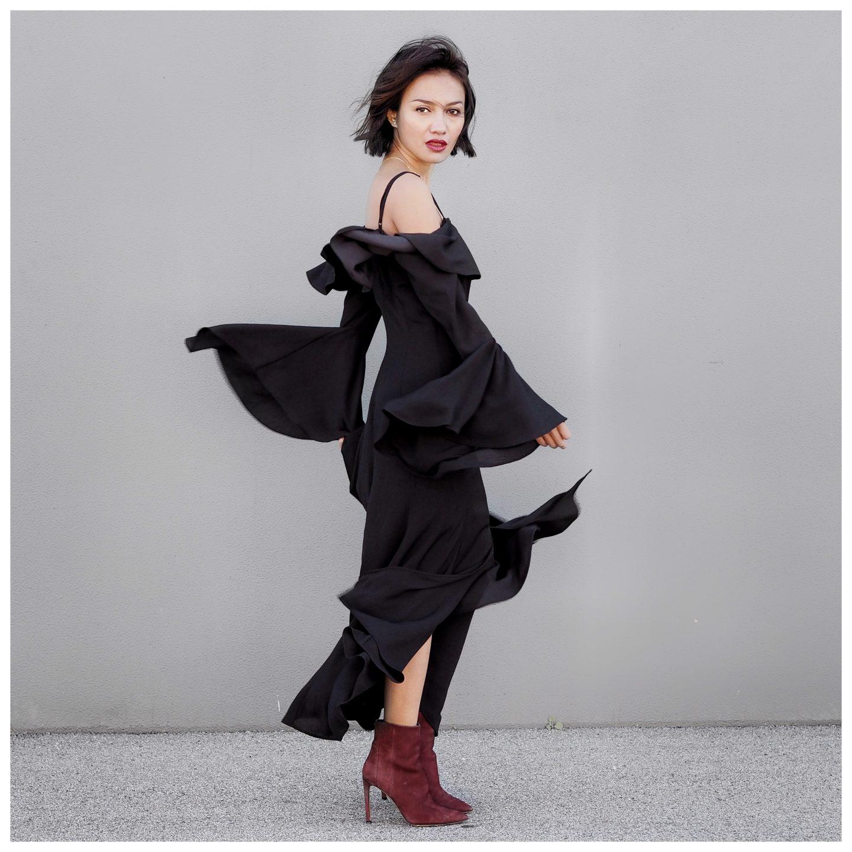 Fashion Bunker Black Midi Dress